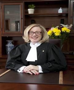 L'honorable Martine Nolin